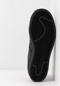 adidas Originals - 2020-02-01 SUPERSTAR  SHOES - Sneakers laag - core black/footwear white/glow pink - 6