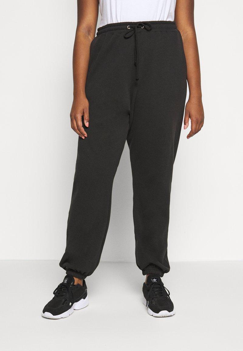 Missguided Plus - PLUS SIZE JOGGERS - Teplákové kalhoty - black