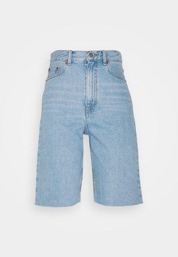 ECHO - Shorts di jeans - empress light blue