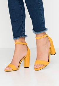 Call it Spring - TAYVIA  - Sandaler med høye hæler - dark yellow - 0
