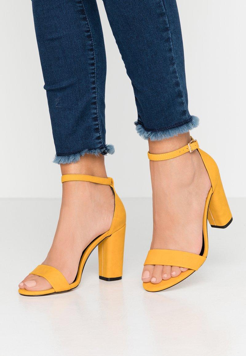 Call it Spring - TAYVIA  - Sandaler med høye hæler - dark yellow