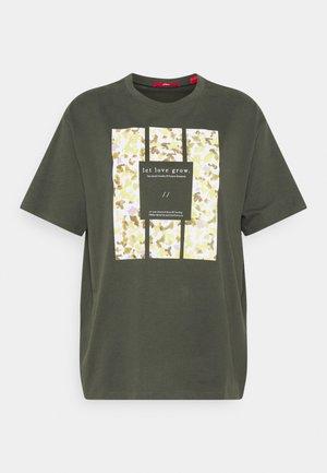 T-shirt print - khaki plac