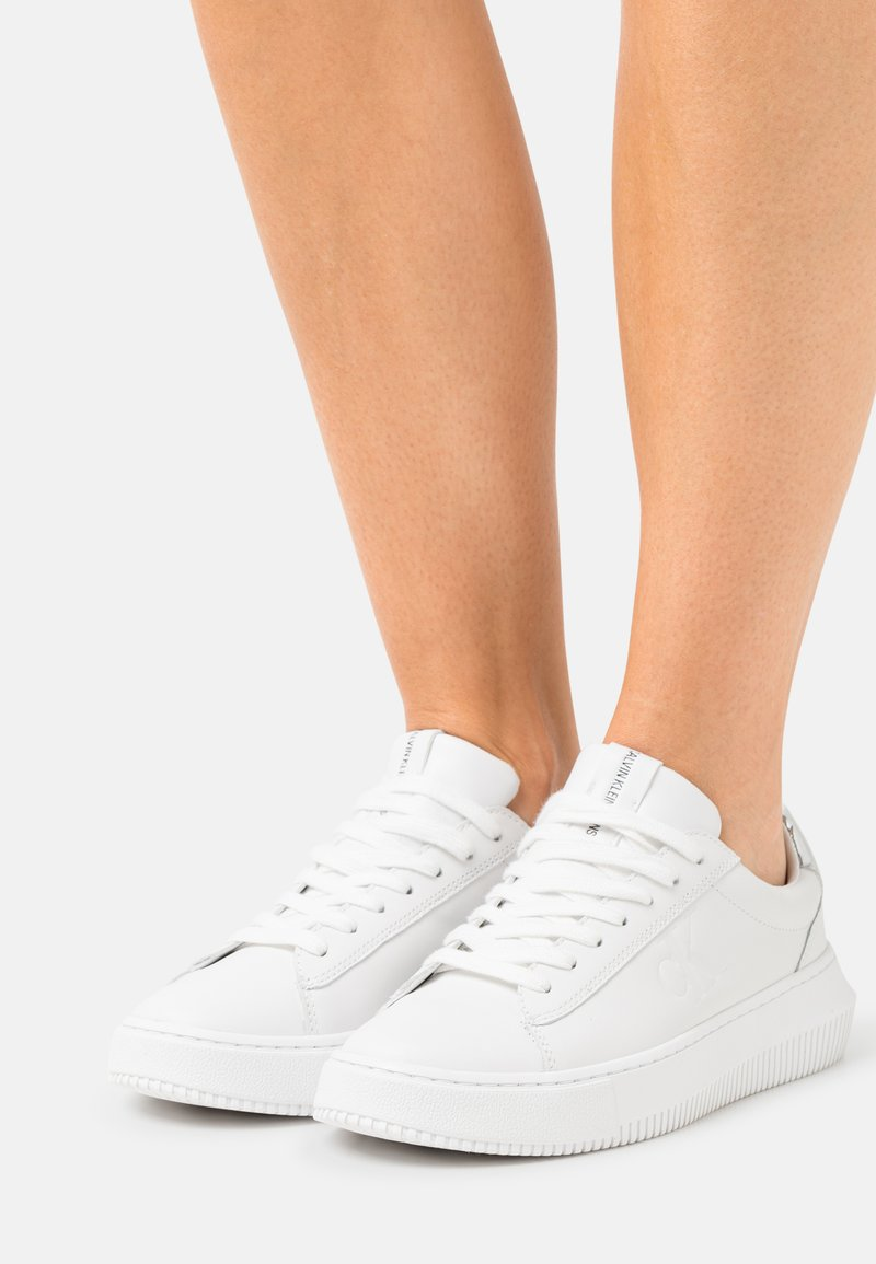 Calvin Klein Jeans - CHUNKY CUPSOLE LACEUP  - Trainers - bright white