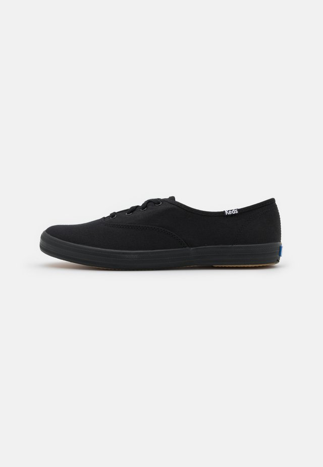 CHAMPION - Sneakersy niskie - black