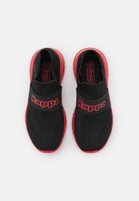 Kappa - PEC UNISEX - Chaussures d'entraînement et de fitness - black/red - 3