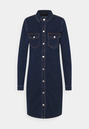 PCSILIA DRESS TALL - Vestido vaquero - dark blue denim