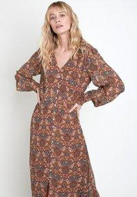 Maison 123 - Maxi dress - marron caramel - 1