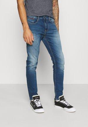 AUSTIN SLIM - Slim fit -farkut - wilson mid blue