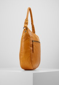 FREDsBRUDER - JUMP - Handbag - mango - 4