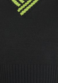 The Ragged Priest - BOUNCE TANK - Topper - black and lime - 2