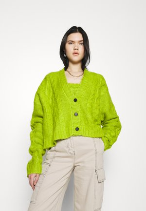 CABLE CARDI AND BANDEU TWIN SET - Top - lime
