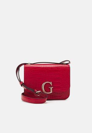HANDBAG CORILY CONVERTIBLE XBODY FLAP - Across body bag - red