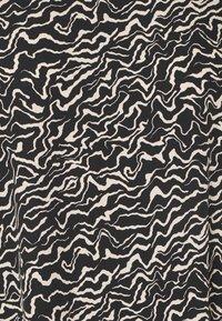 Noisy May - NMRITA DRESS - Denní šaty - beige - 2