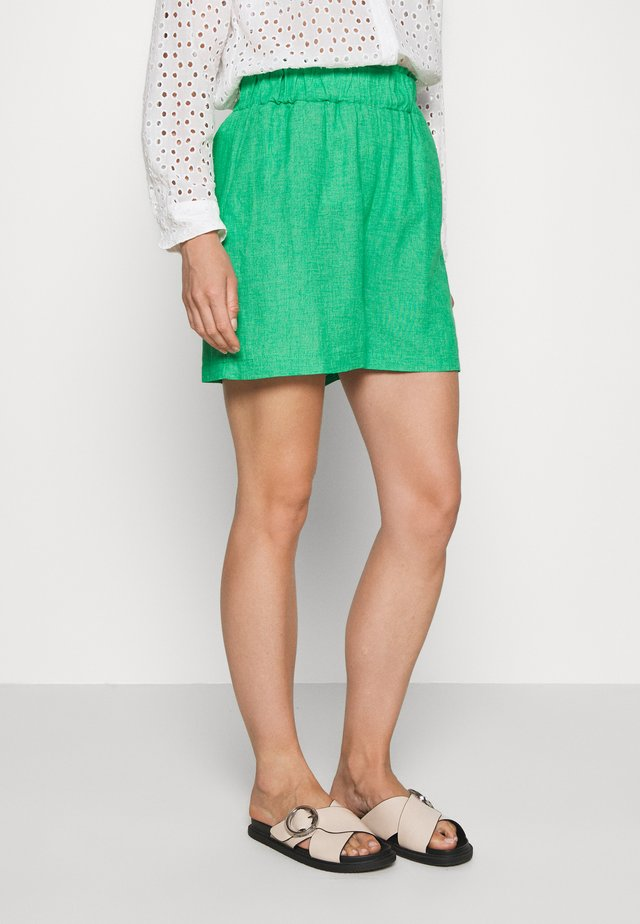 VIZON - Shorts - green