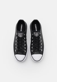 Converse - CHUCK TAYLOR ALL STAR PLATFORM GLITTER - Trainers - black/white - 5