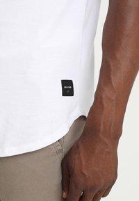Only & Sons - ONSMATT LONGY 7 PACK - T-shirts - white/black/light grey melange - 6