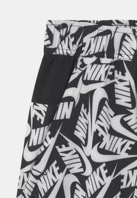 Nike Sportswear - PLUS WOVEN - Shorts - black - 2