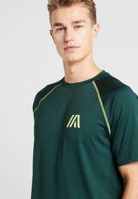Your Turn Active - T-shirt imprimé - dark green - 3