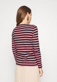 TOM TAILOR - STRIPED CREW NECK - Topper langermet - navy/red/multicolor - 2