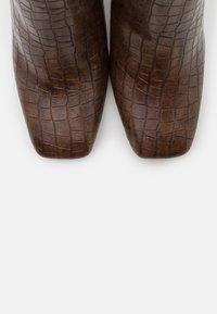 Glamorous Wide Fit - Kotníková obuv na vysokém podpatku - brown - 5