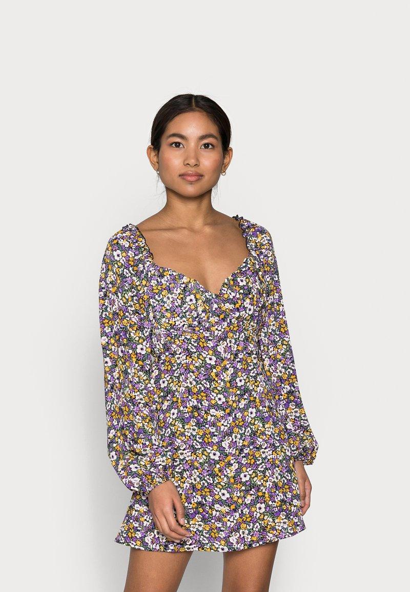 Missguided Petite - MILKMAID SKATER DRESS  - Denní šaty - purple