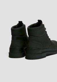 PULL&BEAR - Platform ankle boots - black - 4