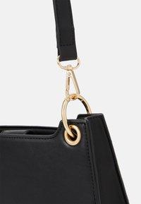 Pieces - PCJUKINA SHOULDER BAG - Handbag - black/gold - 3