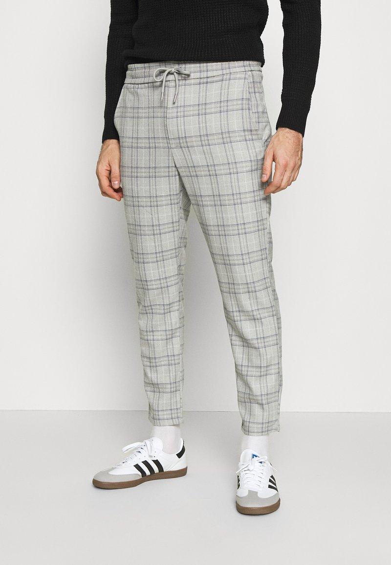 Only & Sons - ONSLINUS CROPPED  CHECK PANT - Spodnie materiałowe - medium grey melange