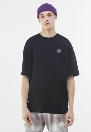FUTURE-READY  - Bluza z kapturem - black