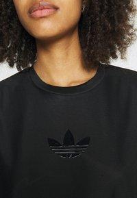 adidas Originals - Basic T-shirt - black - 5