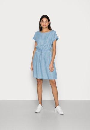 DENIM MINI DRESS - Denim dress - light stone bright blue denim