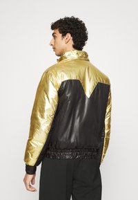Just Cavalli - KABAN - Light jacket - gold - 5
