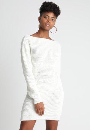 Pletené šaty - cream