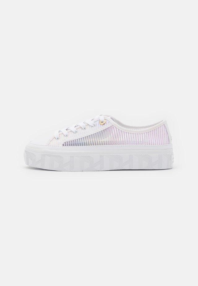 GLITTER TRANSPARENT  - Sneakersy niskie - white
