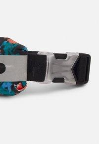Nike Performance - SLIM WAISTPACK 2.0 - Bæltetasker - bright mango/black/silver - 3
