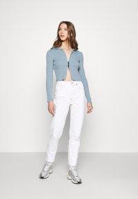 BDG Urban Outfitters - CROPPED ZIP HOODIE - Zip-up sweatshirt - baby blue - 1