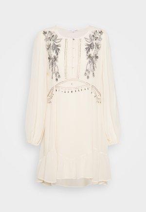 DRESS - Sukienka letnia - doll beige