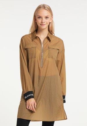 Košilové šaty - braun