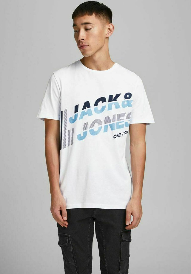 JCOALPHA TEE - Camiseta estampada - white