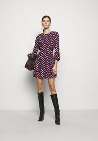 MAX&Co. - NARCISO - Vapaa-ajan mekko - burgundy - 1