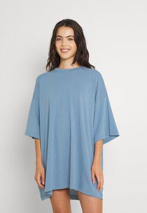 HUGE - Basic T-shirt - blue