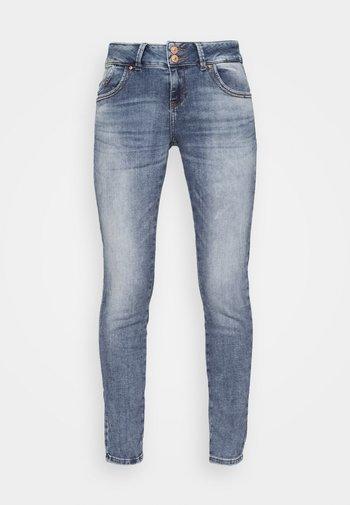Slim fit jeans - yule wash