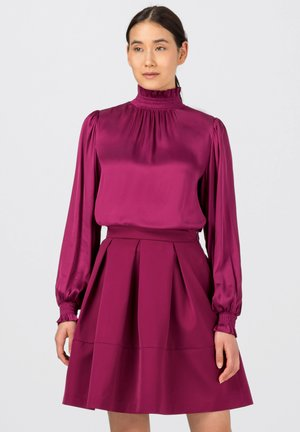 MIT SMOKDETAILS - Blouse - cassis