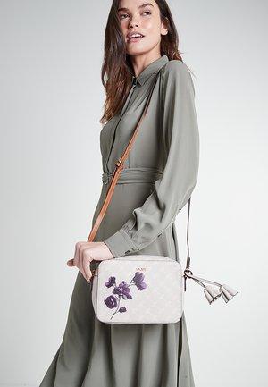 FIORI CLOE  - Across body bag - beige