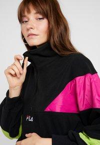 Fila - RAFIYA HALF ZIP - Bluza z polaru - black/pink yarrow/acid lime - 4