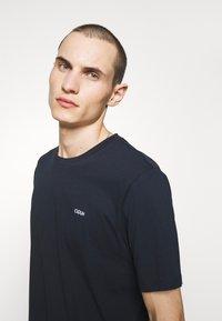 HUGO - DERO - Jednoduché triko - dark blue - 3