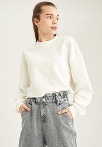 DeFacto - Sweatshirt - white - 0