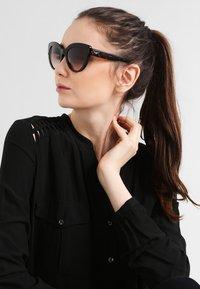 Dolce&Gabbana - Lunettes de soleil - brown - 0