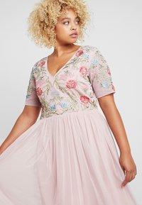 Lace & Beads Curvy - EDA - Abito da sera - pink - 3