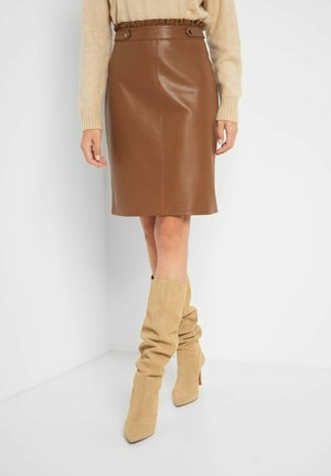 Pencil skirt - cognac